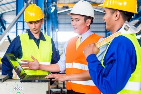 Online Training at a Warehouse