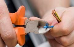 Basic Electrical Safety in the Workplace Training Video