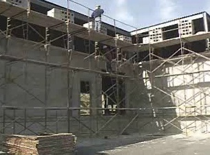 How a supported scaffold is designed and used.
